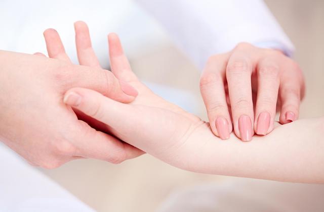 Причины развития ювенильного ревматоидного артрита
